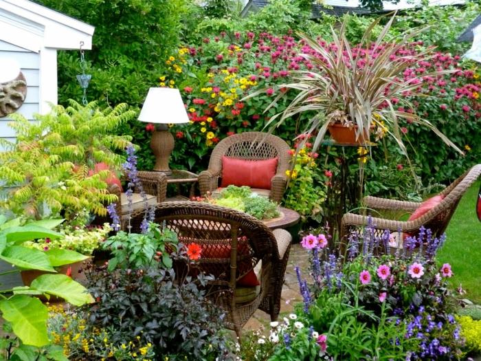 Gartengestaltung Tipps Gartenpflanzen Rattanmöbel Erholung