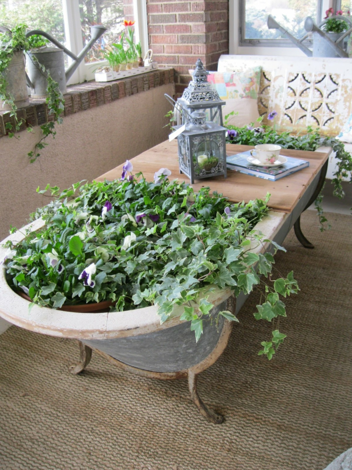 gartenideen badewanne pflanzenbehälter dekoideen