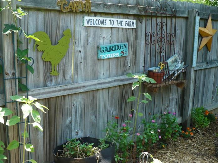 gartenideen gartenzaun dekorieren hinterhof gestalten pflanzen