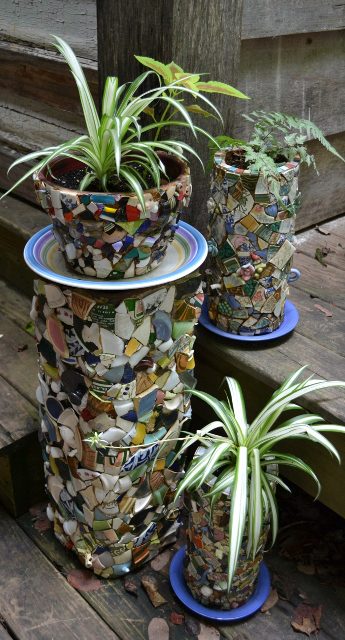 gartenideen pflanzengefäße mosaik garten pflanzen