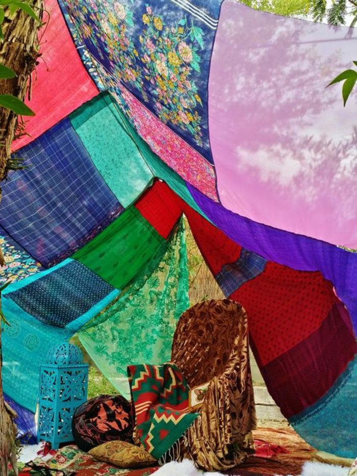 gartenparty dekoideen boho chic stil patchwork decken metallene laterne marokkanisch