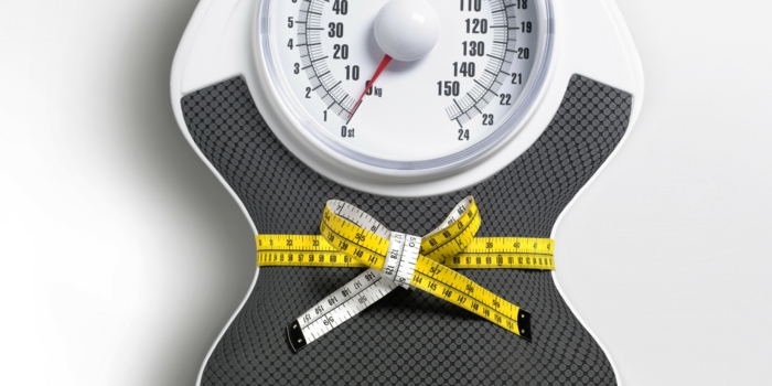 gesund abnehmen waage gewicht kontrollieren