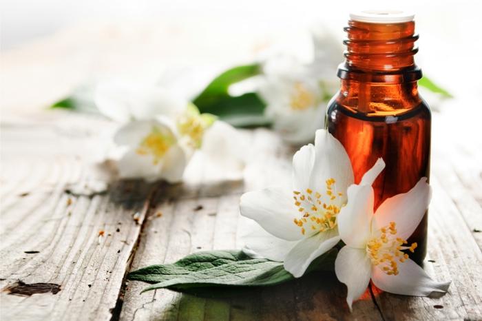 gesund wohnen badewanne ätherische öle jasmin