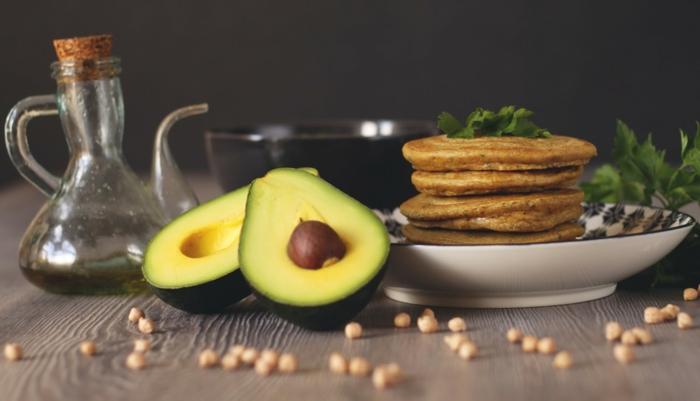 gesunde ernährung avocado pfannkuchen