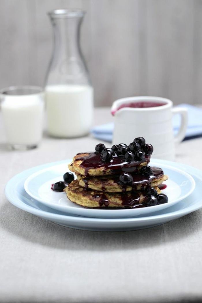 gesunde frühstücksideen früchte ricotta pfannkuchen