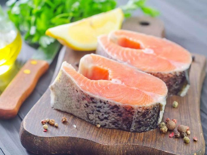 gesunde haut lebensmittel fisch meeresfrüchte lachs gesunde ernährung