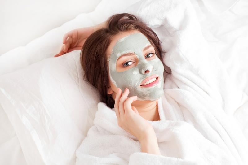 grüne Ton erde Maske Schönheit aus der Natur
