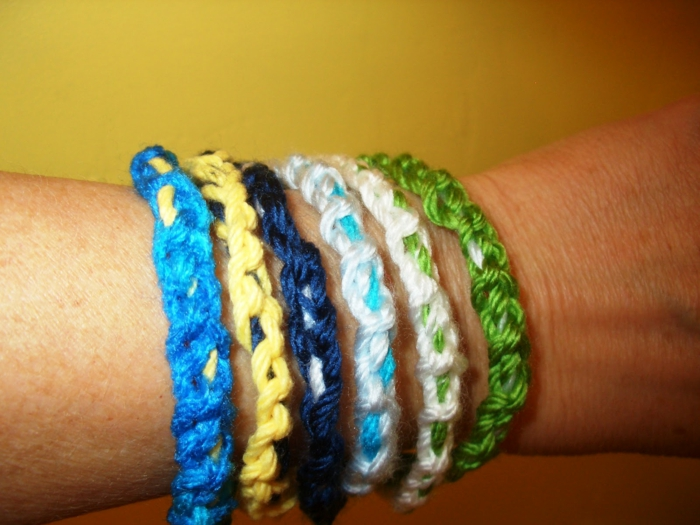 häkeln ideen armbänder häkeln farbig nebeneinander ordnen