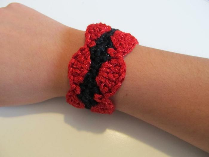 häkeln ideen armband ideen rot schwarz kombination