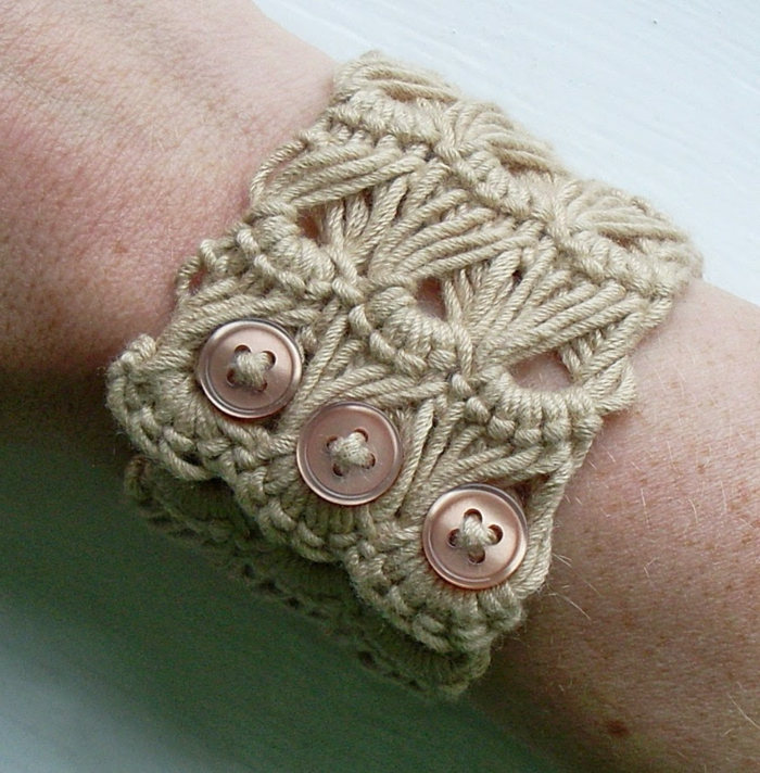 häkeln ideen armband knöpfe lifestyle accessoires