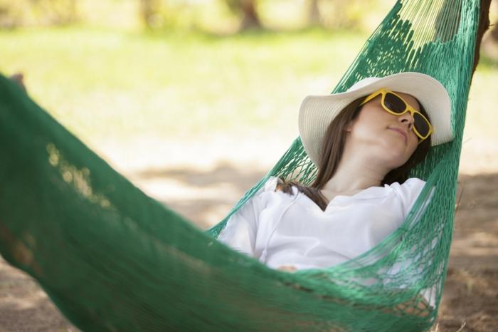 hängesessel garten hängematte schlafen gartenideen