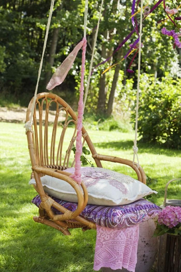 garten hängematte hängesessel sitzkissen romantisch gartenideen