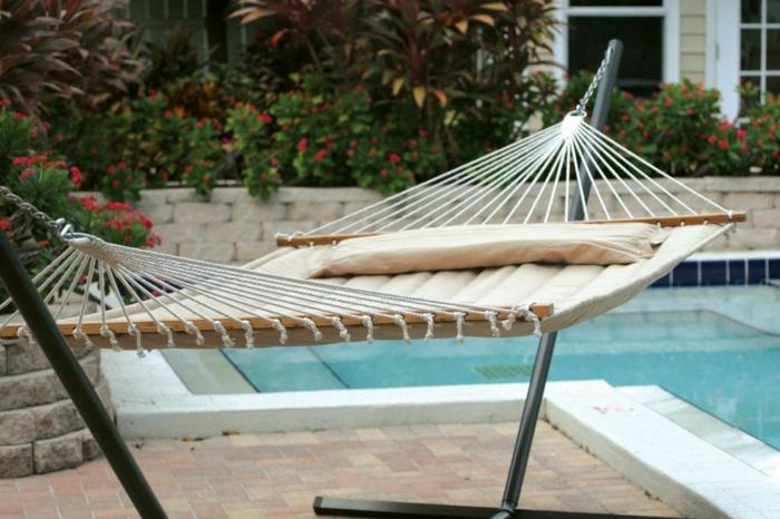 hängesessel garten stilvolle hängematte garten erholung schwimmbad