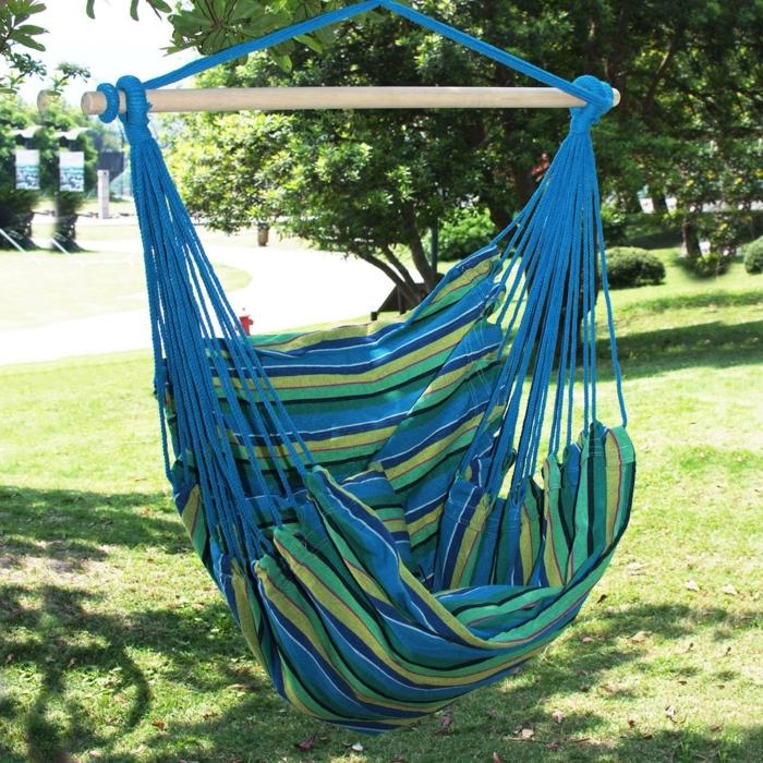 garten hängematte hängesessel streifen grün blau gartenideen