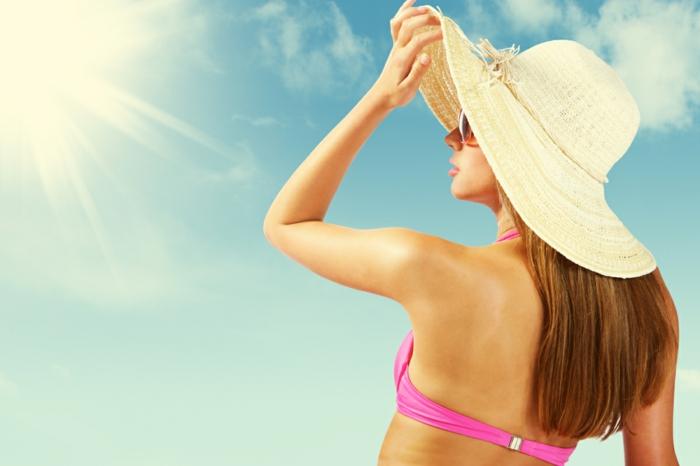 haarpflege tipps shampoo maske glatt spitzen schneiden trockenes haar sonnenhut