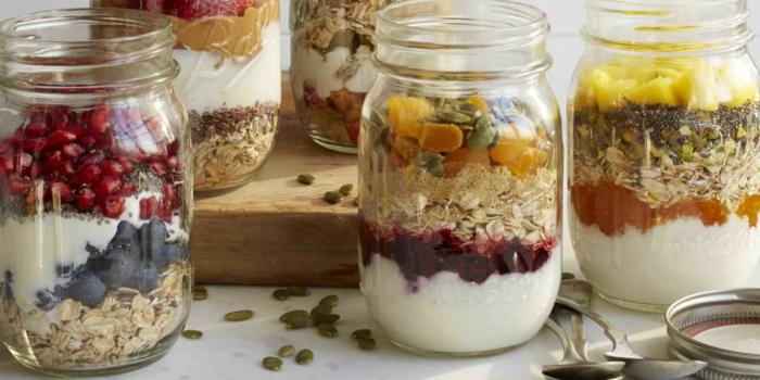 Frühstücksideen haferflocken gesund am stiel kekse blaubeeren chia schnitten getrocknete früchte kürbiskerne