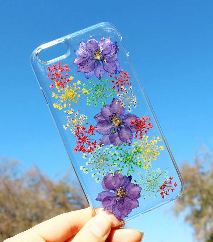 handy schutzhülle herbarien lila blüten sommerblumen