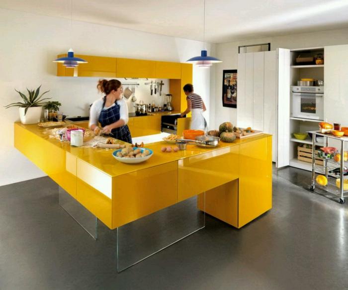 küchendesign gelbe einrichtung grauer boden stauraum ideen