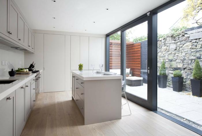 küchendesign kleine küche ordnung stauraum küchenschränke hellgrau