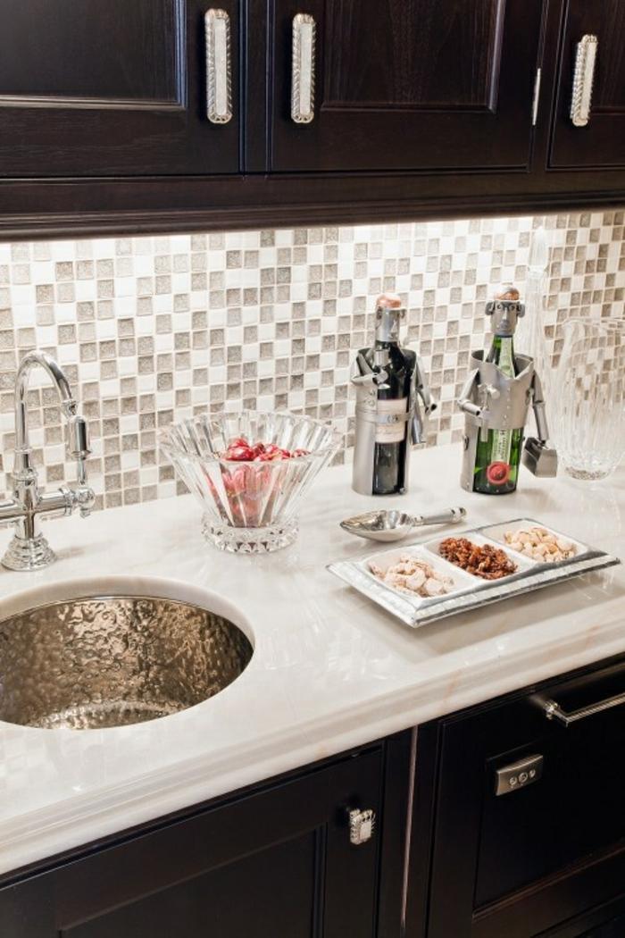 küchenspiegel küchenrückwand wandfliesen mosaik