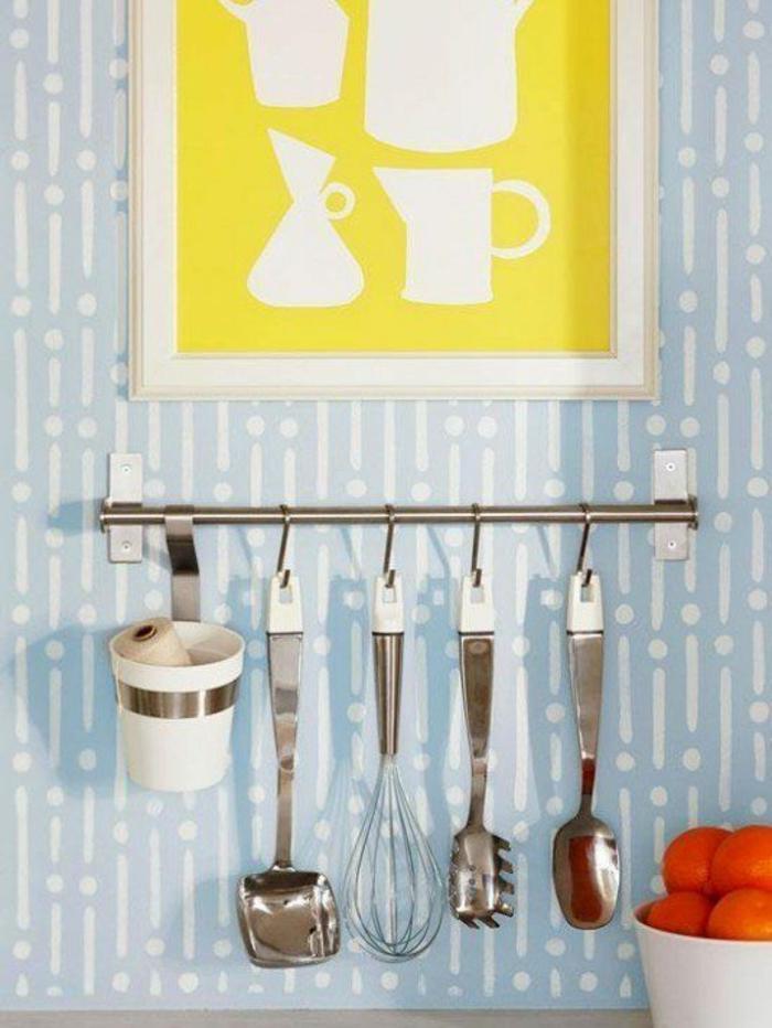 kleine küche einrichten optimale raumnutzung ikea stange zum aufhängen