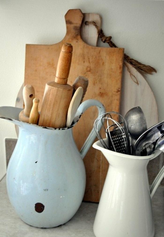 kleine küche einrichten optimale raumnutzung ikea teelicht schilder verschidene vasen gefäss