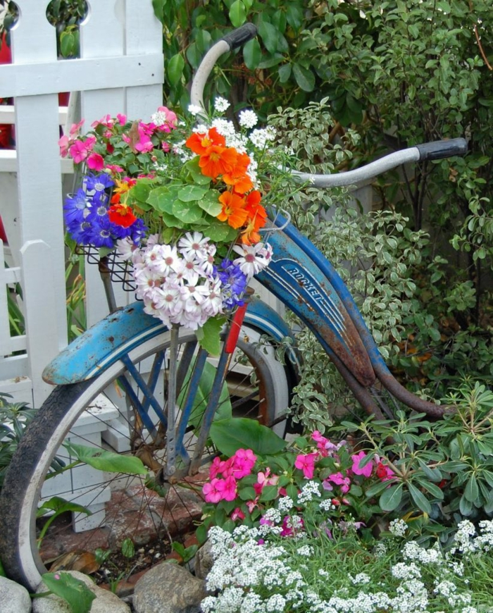 12 kreative Gartenideen mit Fahrrad