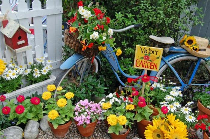 kreative gartenideen für kleine gärten fahrrad schild