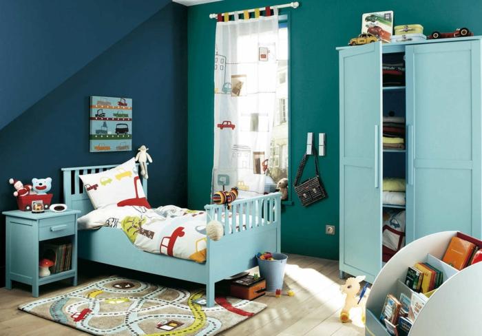 möbel kinderzimmer blaugrün teppich farbige möbel gardinen