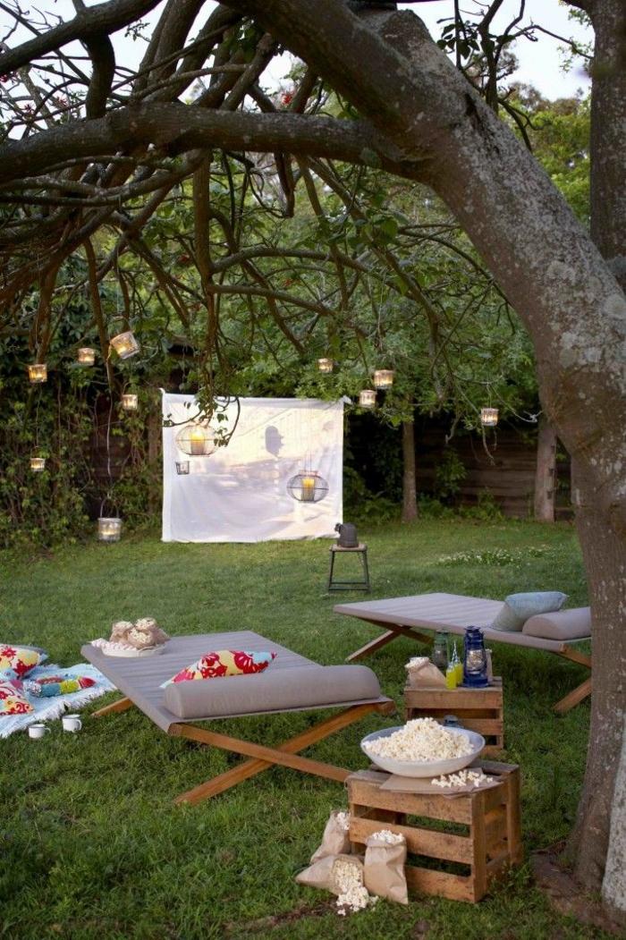 open air kino im eigenen garten 20 ideen f r eine gute unterhaltung. Black Bedroom Furniture Sets. Home Design Ideas