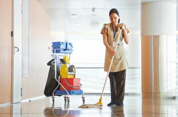 reinigungsdienst öffentliche einrichtungen putzen boden reinigen
