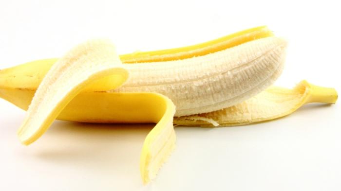 schlaflosigkeit bekämpfen bananen vor dem schlaf essen