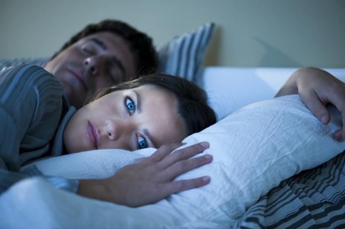 gesund schlafen tipps schlaf nahrung zusammenhang