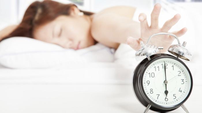 schlaflosigkeit bekämpfen tipps morgens früh aufstehen