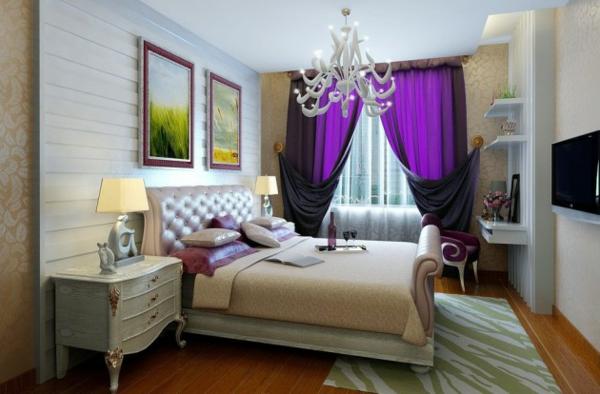 schlafzimmer einrichten luxuriös lila gardinen kronleuchter