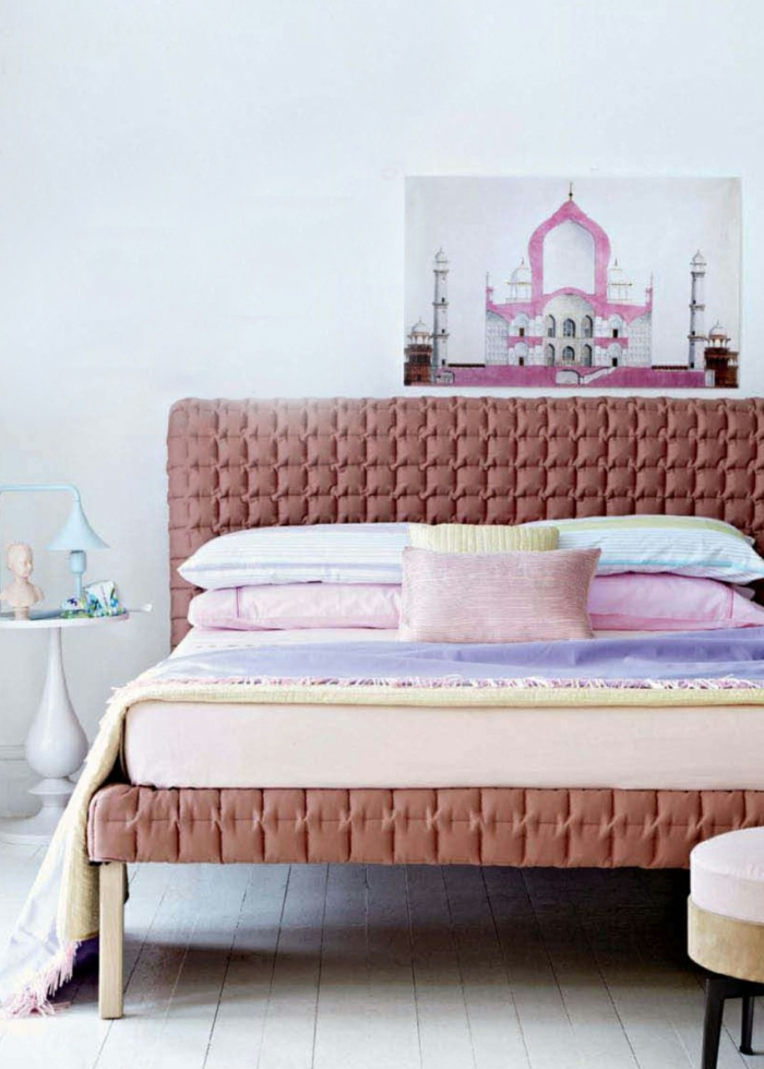 schlafzimmer einrichten pastellfarben helle wände holzboden