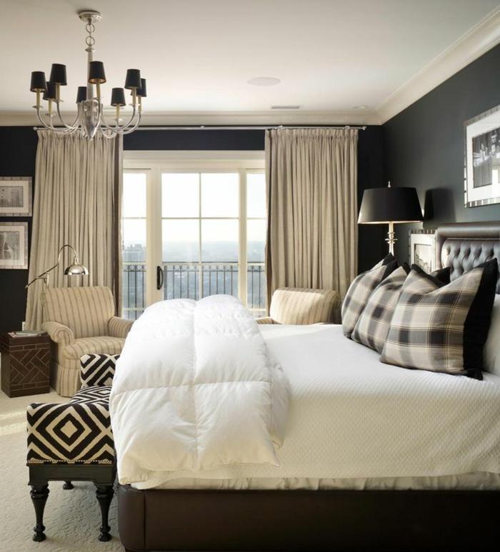 schlafzimmer einrichten schwarze wände weiße zimmerdecke muster leuchter