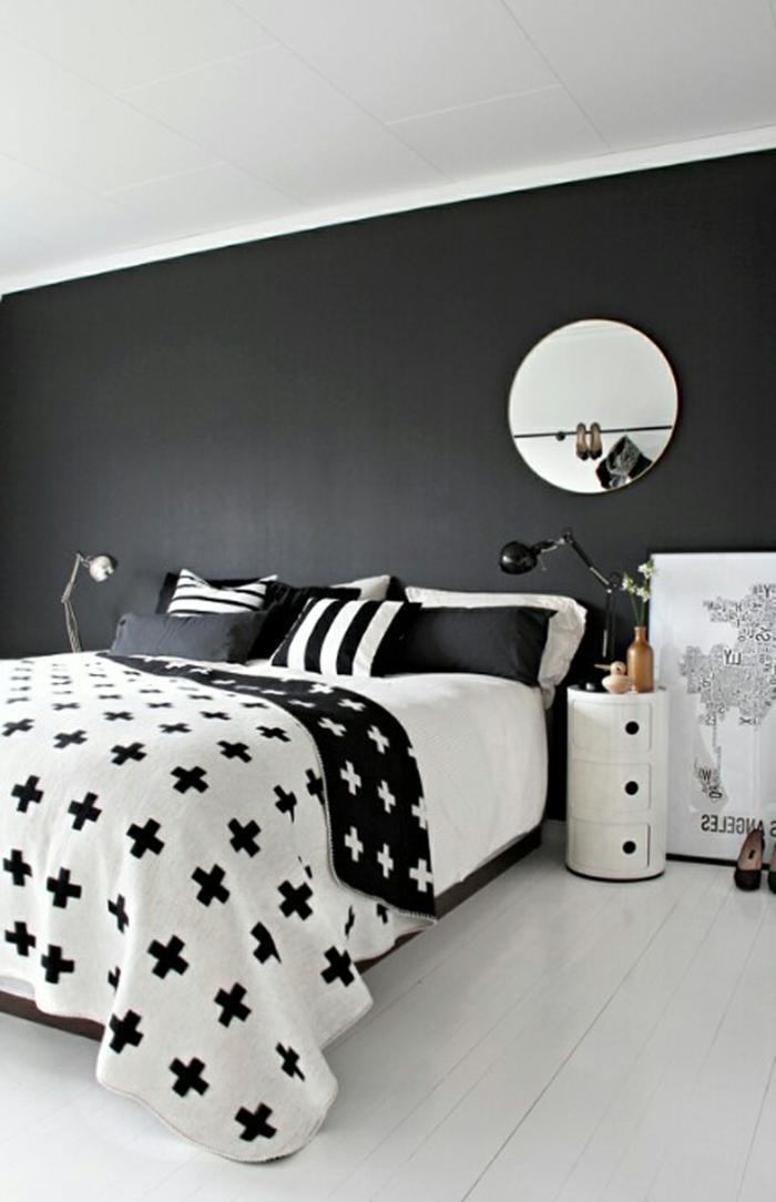 schlafzimmer einrichten schwarze wand weißer boden bettwäsche