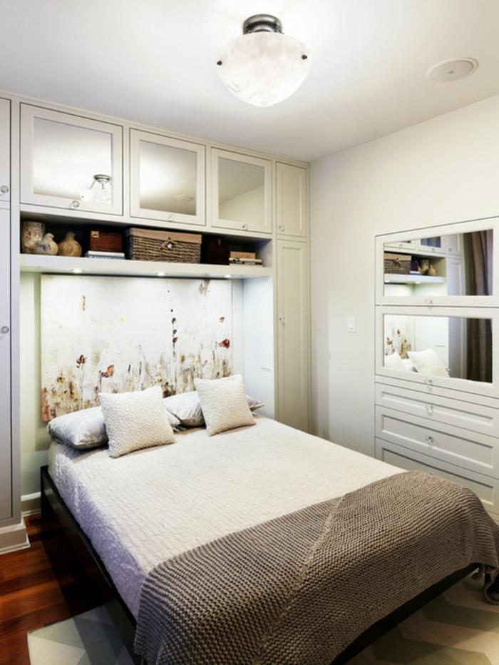 schlafzimmer einrichtung gemälde dekoideen spiegel