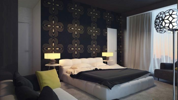 schlafzimmer schwarz dunkle akzentwand tischleuchten sofa helle gardinen