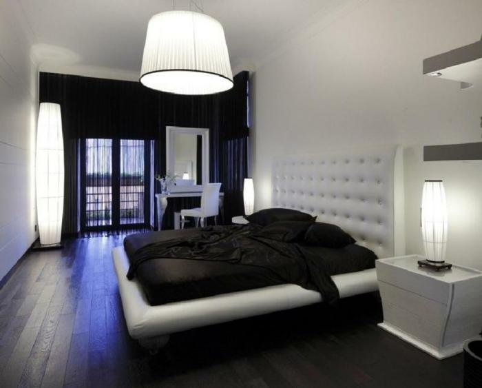 schlafzimmer schwarz schwarze gardinen große hängelampe