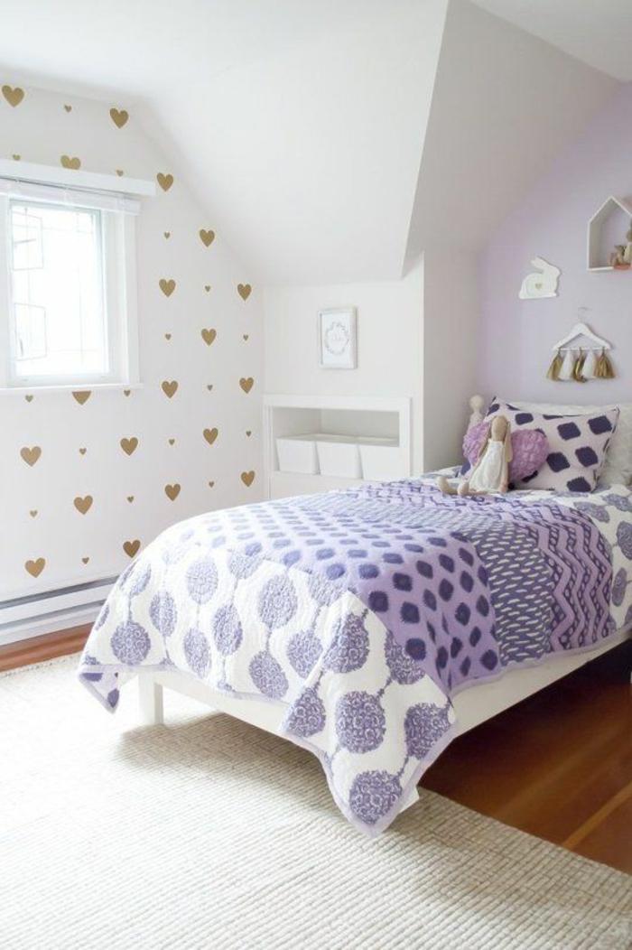 schlafzimmer tapeten mädchenzimmer lila bettwäsche