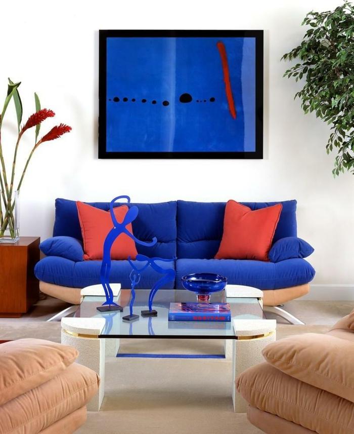 sofa blau rote dekokissen beige sessel dekoideen