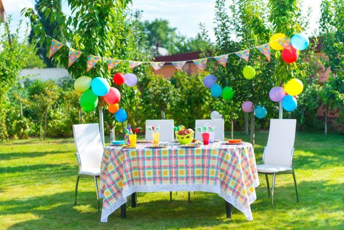 Gartenfest deko ideen raum und m beldesign inspiration - Dachschrage dekorieren ...