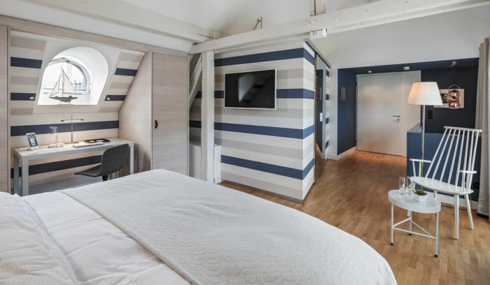 steckdosen und lichtschalter in der wohnung anbringen die checkliste. Black Bedroom Furniture Sets. Home Design Ideas