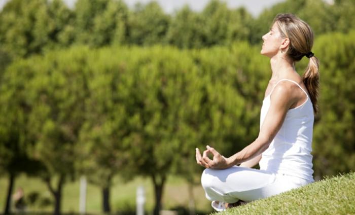 stressabbau tipps yoga richtig atmen