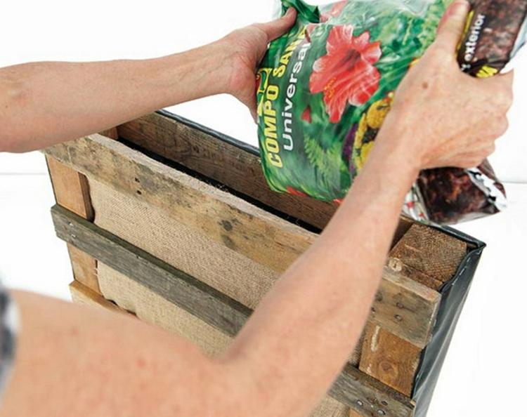 vertikaler garten anleitung - noch ein diy projekt aus paletten, Gartenarbeit