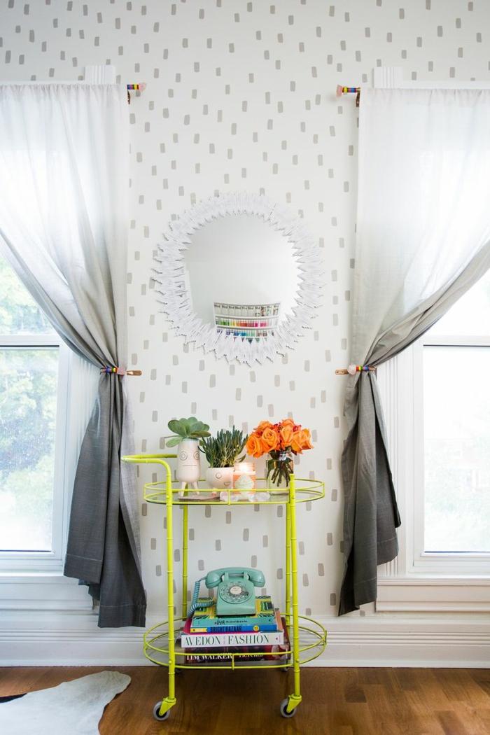 wandgestaltung ideen konfetti muster wohnzimmer diy wanddekoration