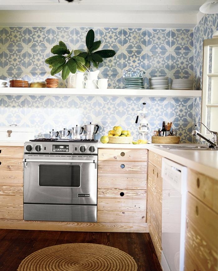 wohnideen küche florales muster fliesen hölzerne küchenschränke runder teppich