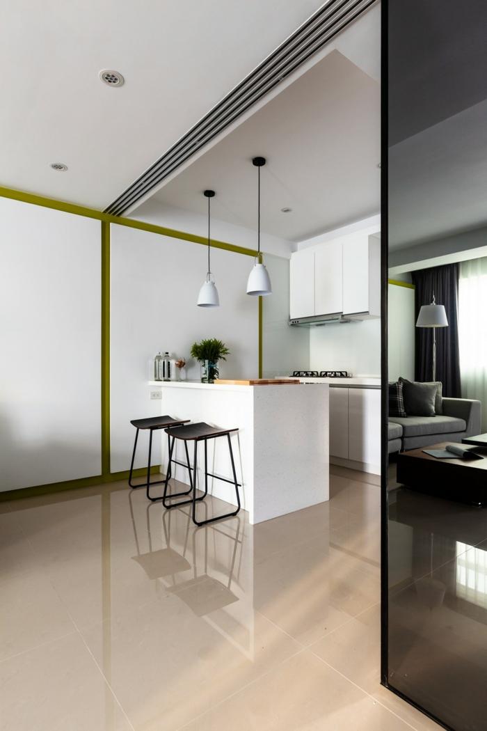 wohnideen küche kleine küche einrichten weiße kücheninsel spiegeloberflächen